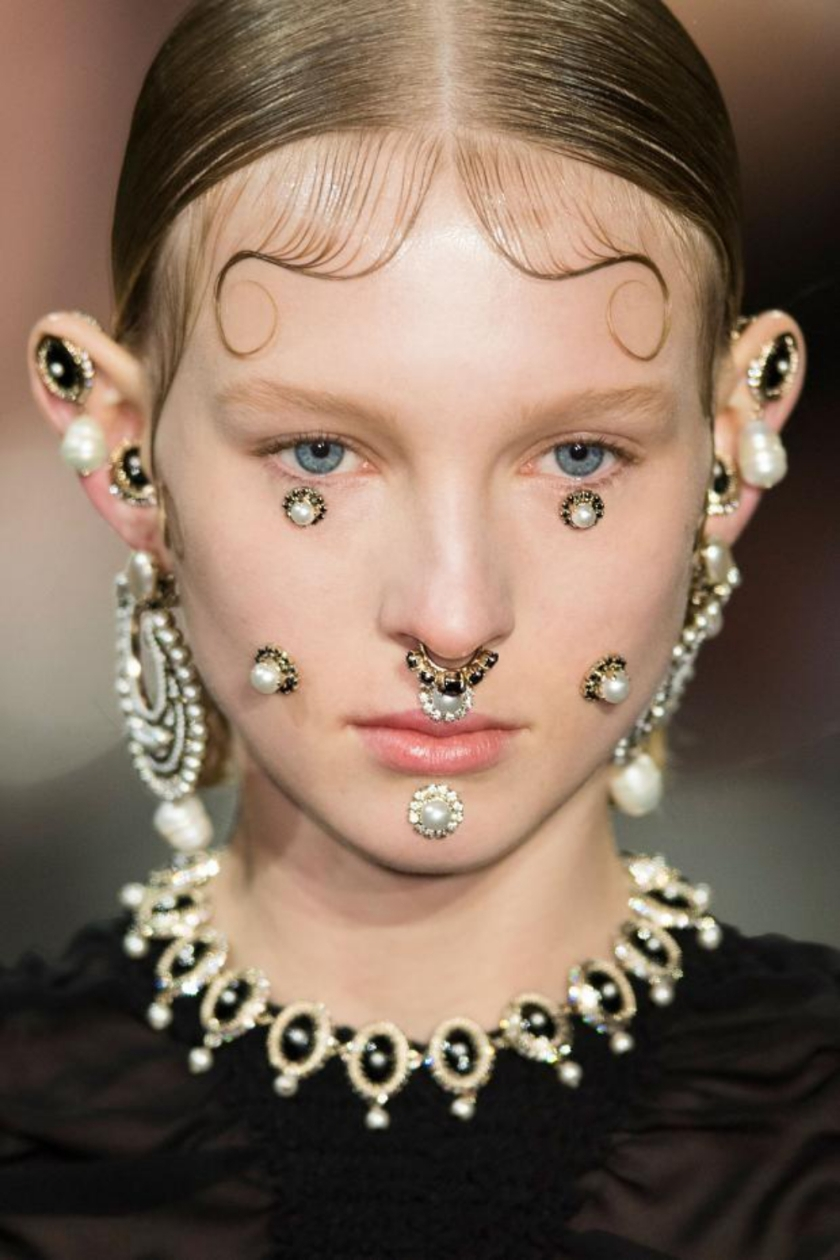 Studded-Hearts-moodboard-inspiration-Givenchy-Fall-2015-face-jewels
