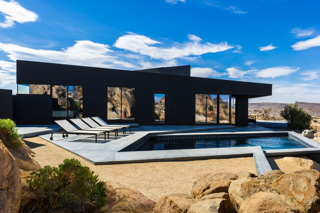 Black-Desert-House-nill-in-001