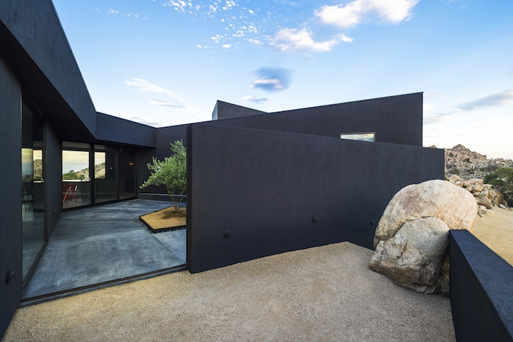 Black-Desert-House-nill-in-010